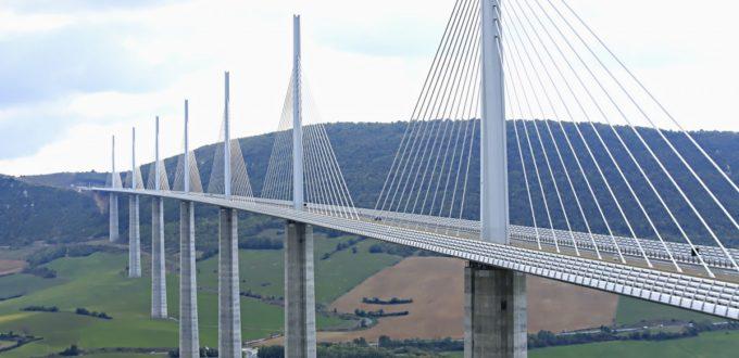 Viaduc de millau en France